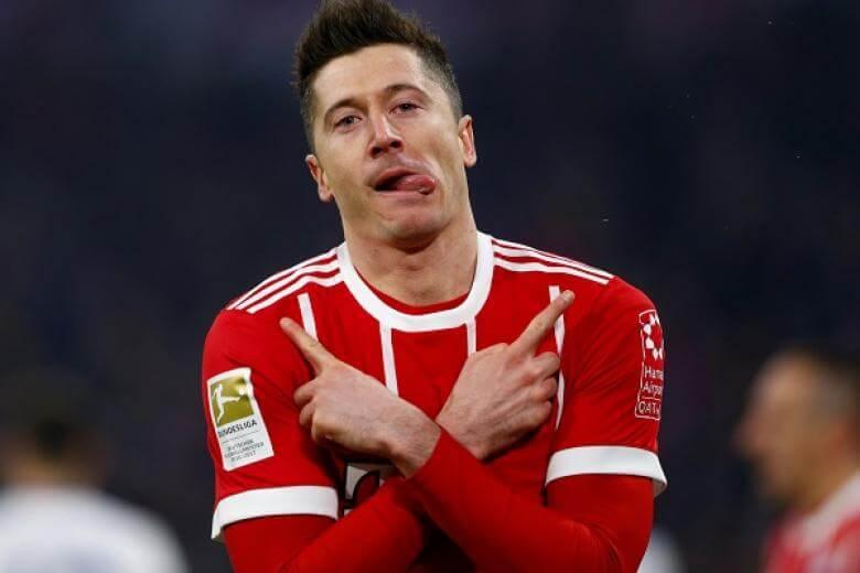 เลวานดอฟสกี้ ของทาง บาร์เยิร์น มิวนิก เปิดบ้านสามารถเอาชนะพาเดอร์บอร์น ทีมบ๊วยของตารางแบบเฉียดฉิว 3-2 ในศึกบุนเดสลีก้า เยอรมีนี เมื่อวันที่ 21 กุมภาพันธ์