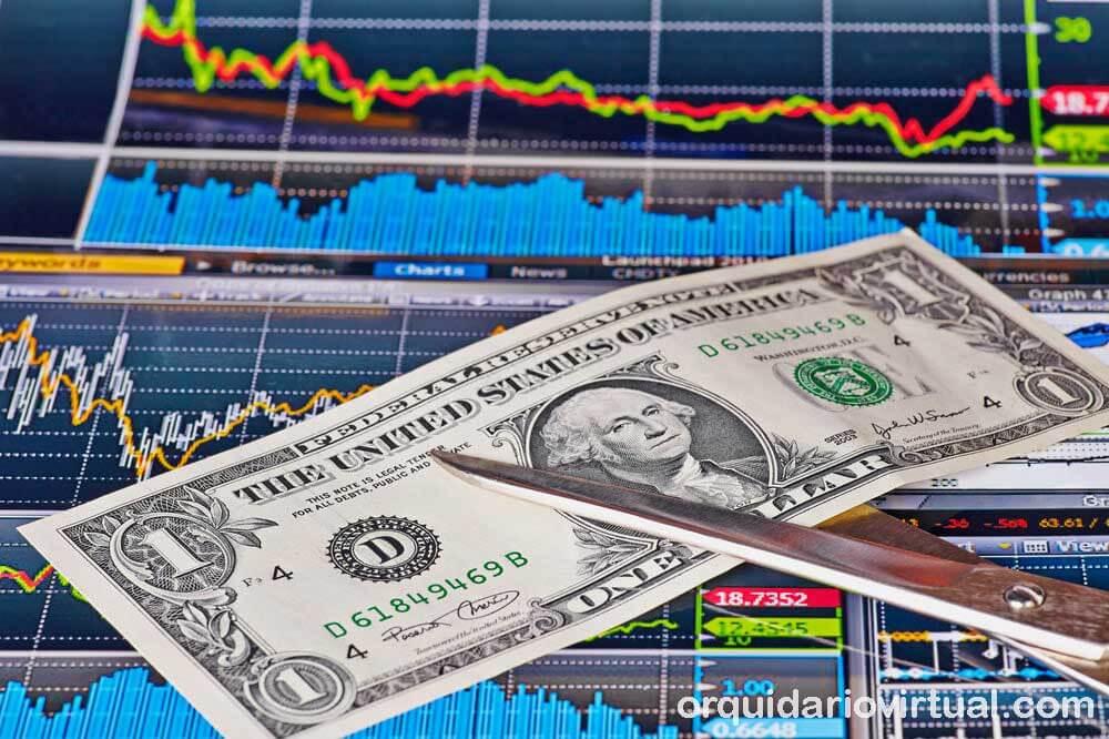 US Treasury คาดการณ์ว่าจำเป็นจะต้องกู้เงิน 617 พันล้านดอลลาร์ในช่วงสามเดือนสุดท้ายของปี 2563 เนื่องจากทางรัฐบาลเพิ่มการขายหลักทรัพย์ของกระทรวง