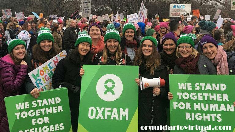 Oxfam องค์กรการกุศลช่วยเหลือของอังกฤษกล่าวว่าได้สั่งพักงานเจ้าหน้าที่สองคนในสาธารณรัฐประชาธิปไตยคองโก (DRC) ซึ่งเป็นส่วนหนึ่งของการสอบ