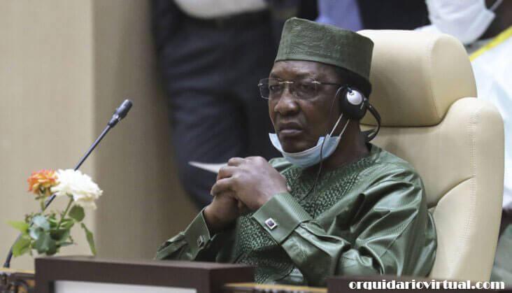 Idriss Deby เป็นที่รู้จักจากการเยี่ยมชมสนามรบ หลังจากนักสู้โบโกฮารัมเปิดตัวการโจมตีฐานทัพของชาเดียนในหมู่บ้านโบโฮมาเมื่อเดือนมีนาคมปีที่แล้ว