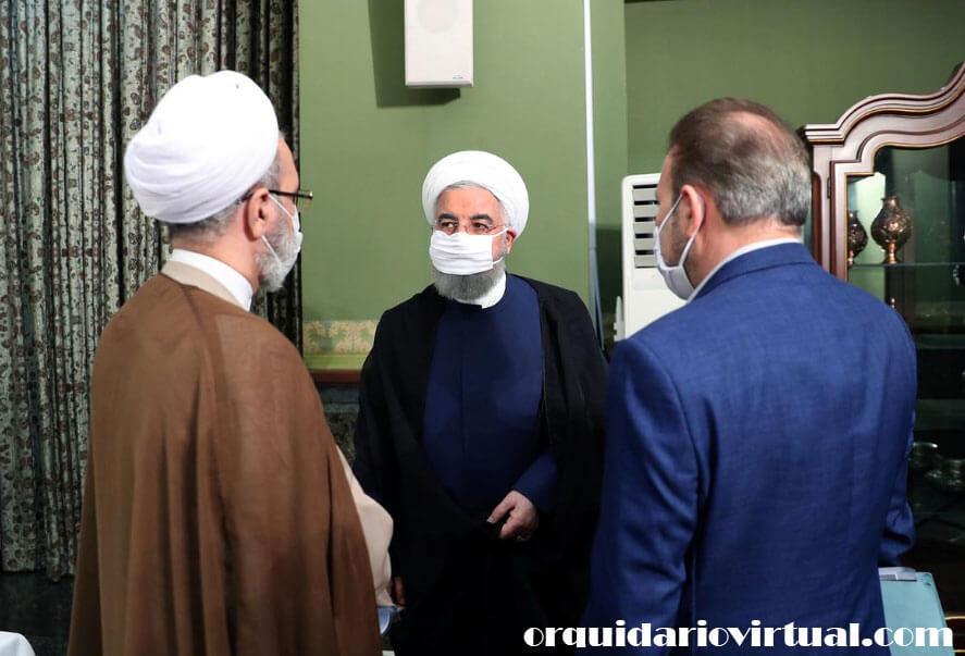 Iran imposes เจ้าหน้าที่ในอิหร่านถูกบังคับให้กำหนดข้อ จำกัด ใหม่ทั่วประเทศหลังจากไม่มีการควบคุมการเดินทางในช่วงวันหยุดปีใหม่ของชาวเปอร์เซีย